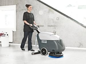 Mycí stroj na podlahu