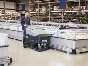 podlahové čistící stroje