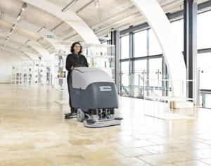 Podlahový čistící mycí stroj