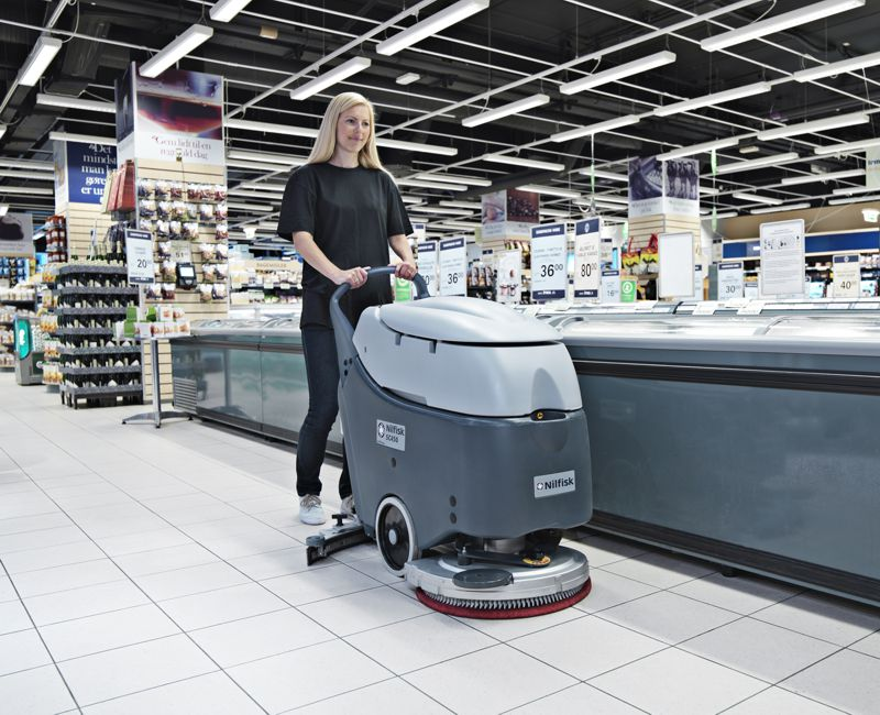 velké podlahové mycí stroje