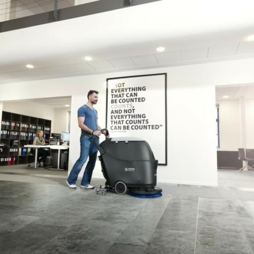 Podlahové mycí stroje s chodící obsluhou - GO line