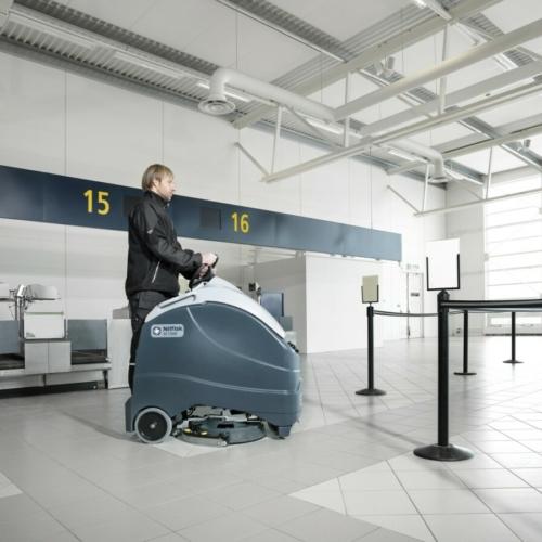 Podlahové mycí stroje se stojící obsluhou